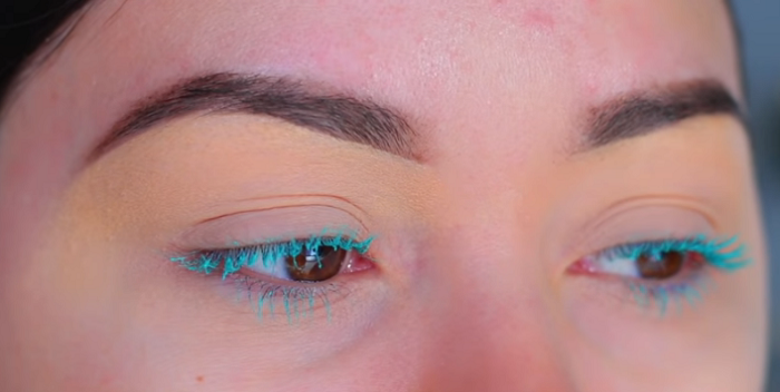 What Are The MakeUp Trends For 2020_Colorful or Tinted Mascara