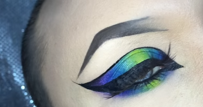 What Are The MakeUp Trends For 2020_Neon Cat Eyes