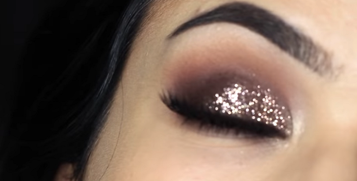 What Are The MakeUp Trends For 2020_Sparkly Eyes