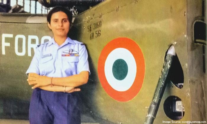 Gunjan Saxena – The First Female Fighter Pilot of Kargil War Success Story_6