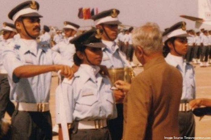 Gunjan Saxena – The First Female Fighter Pilot of Kargil War Success Story_7