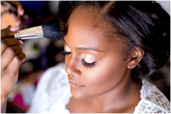 How To Apply Airbrush Makeup At Home For Yourself_4