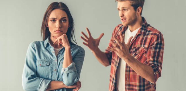 Toxic Relationship 7 Warning Signs You Should Not Ignore_4